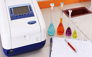 دوره های آموزشی آزمونهای فیزیکو شیمیایی و میکروبیولوژی، در آزمایشگاه کنترل کیفی تستا برگزار میشود