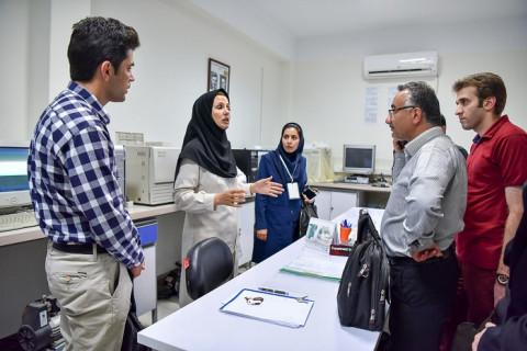 بازدید از آزمایشگاه مرکزی دستگاهی دانشگاه تهران