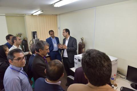 بازدید از آزمایشگاه مرکزی دانشگاه صنعتی اصفهان