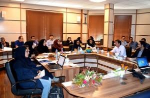 نشست اعضای کارگروه میکروسکوپ الکترونی روبشی در مرکز پژوهش متالورژی رازی برگزار شد